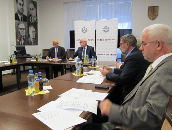 Visit of President Klafter in Slovakia, another boost to bilateral R&D