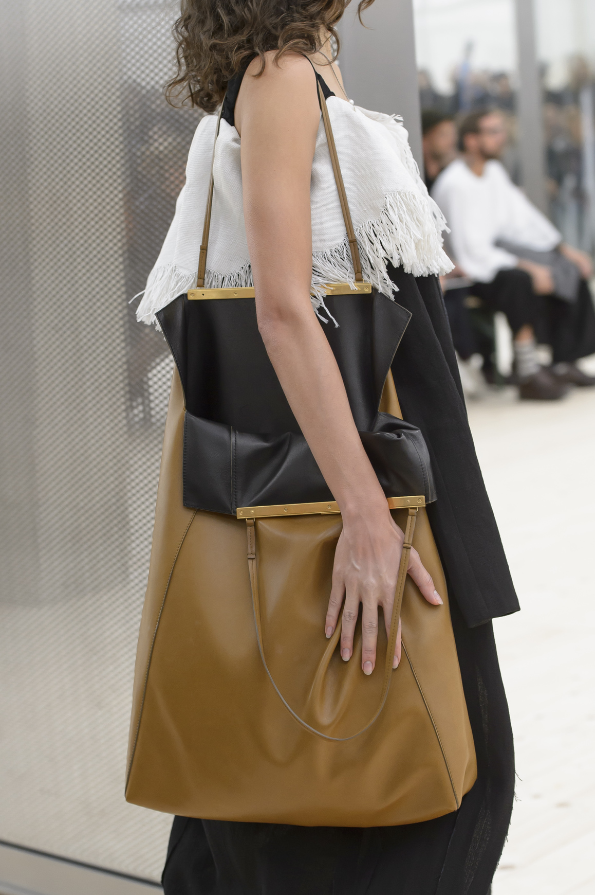 Spring 2017 Trend Report: From Supersize to Mini, the Hottest Bags to Carry Now