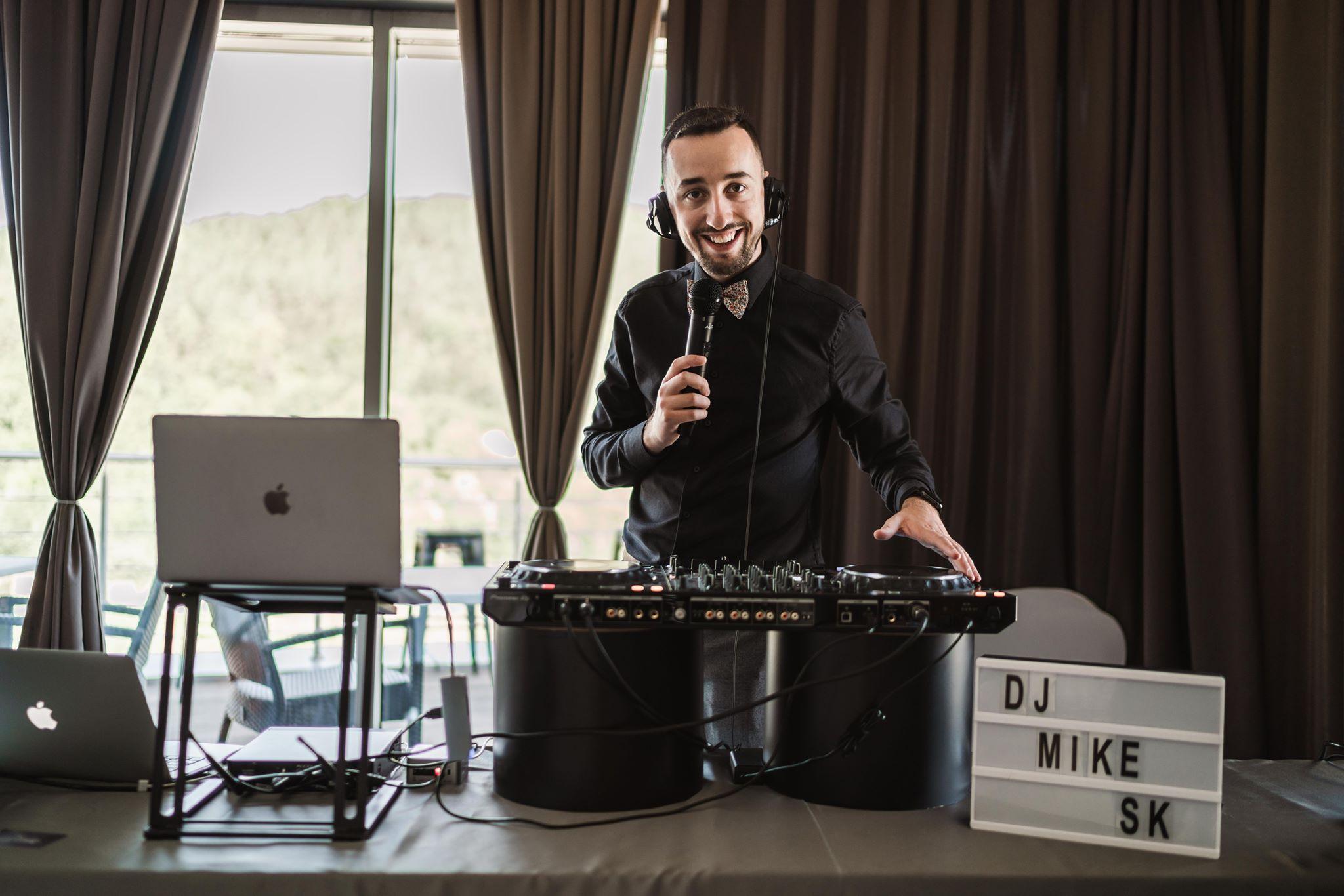 DJ-Starejsi-Moderator-Zabavac-Umelec-Kapelajpg