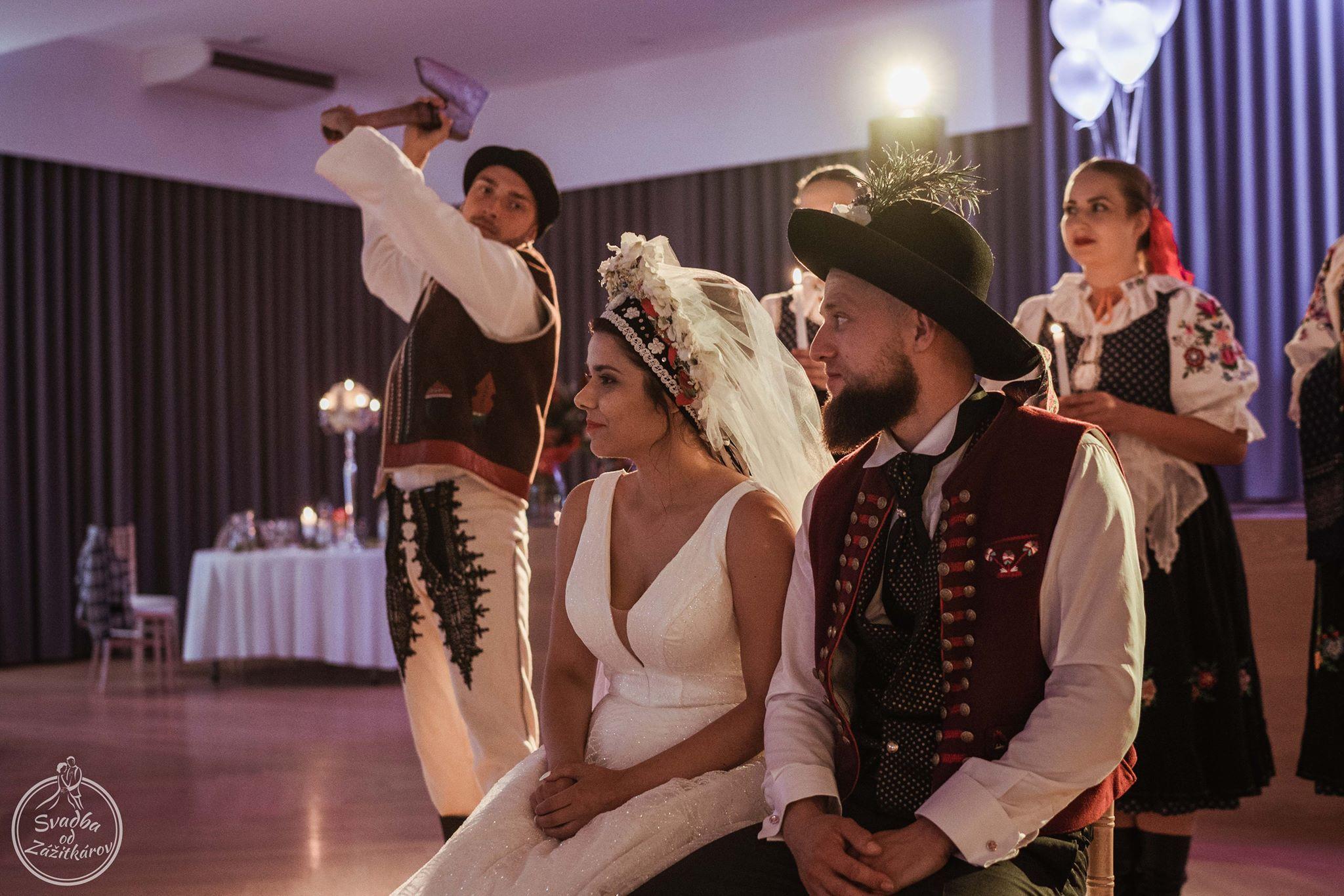 cepcenie-nevesty-svadba-wedding-tradition-slovakiajpg