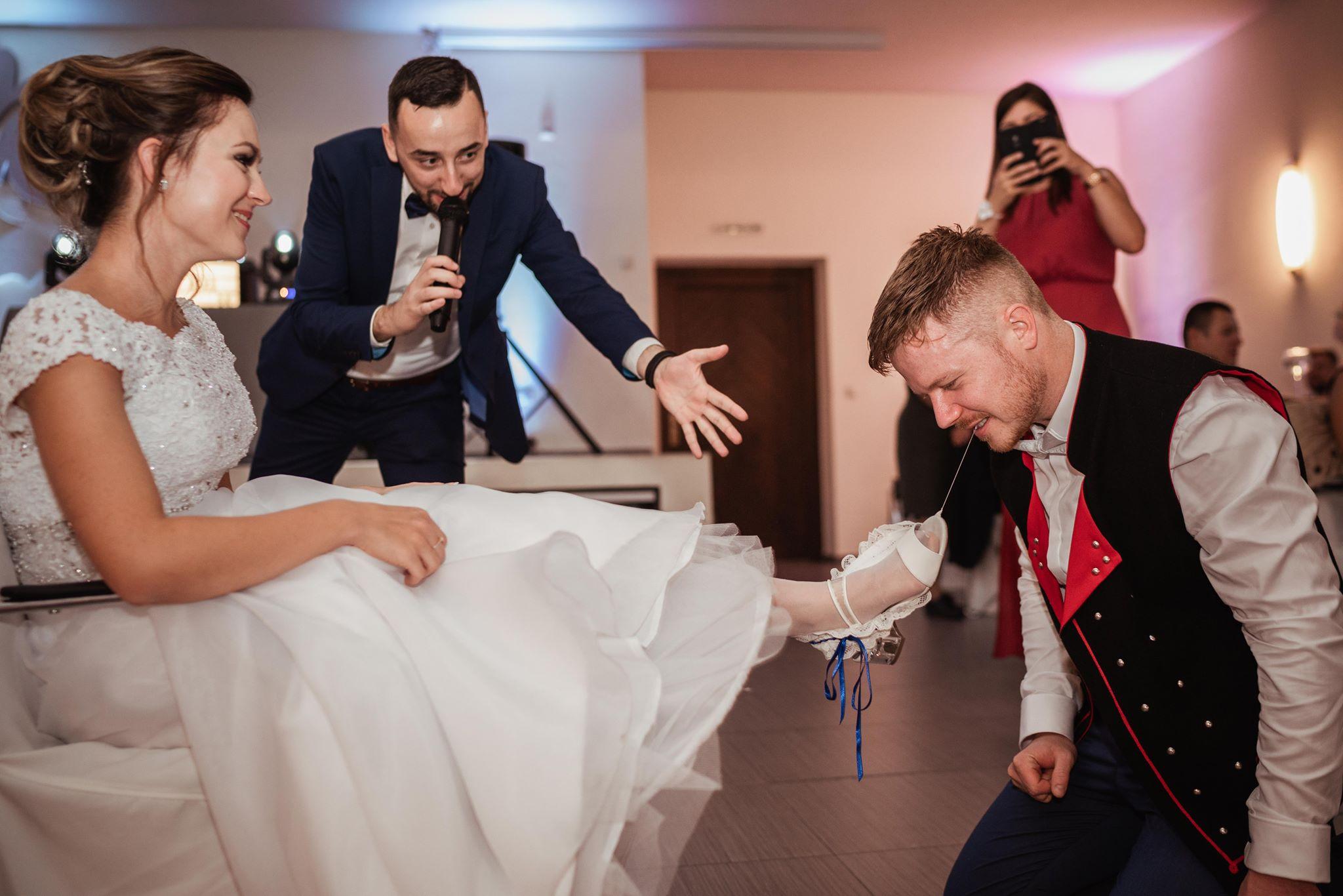 svadobna-hra-svadobna-stuaz-hladanie-zenicha-nevestyjpg