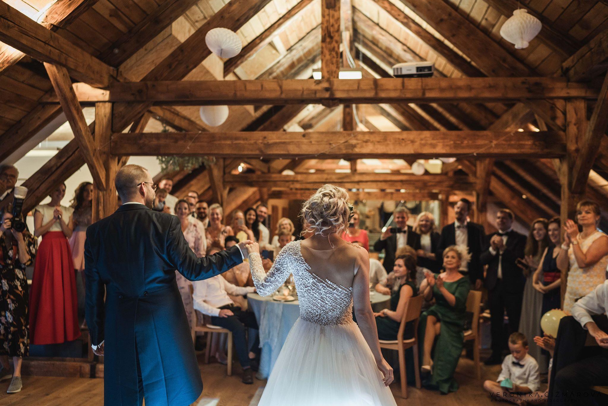 mladomanzelsky-tanec-svadba-weddingjpg