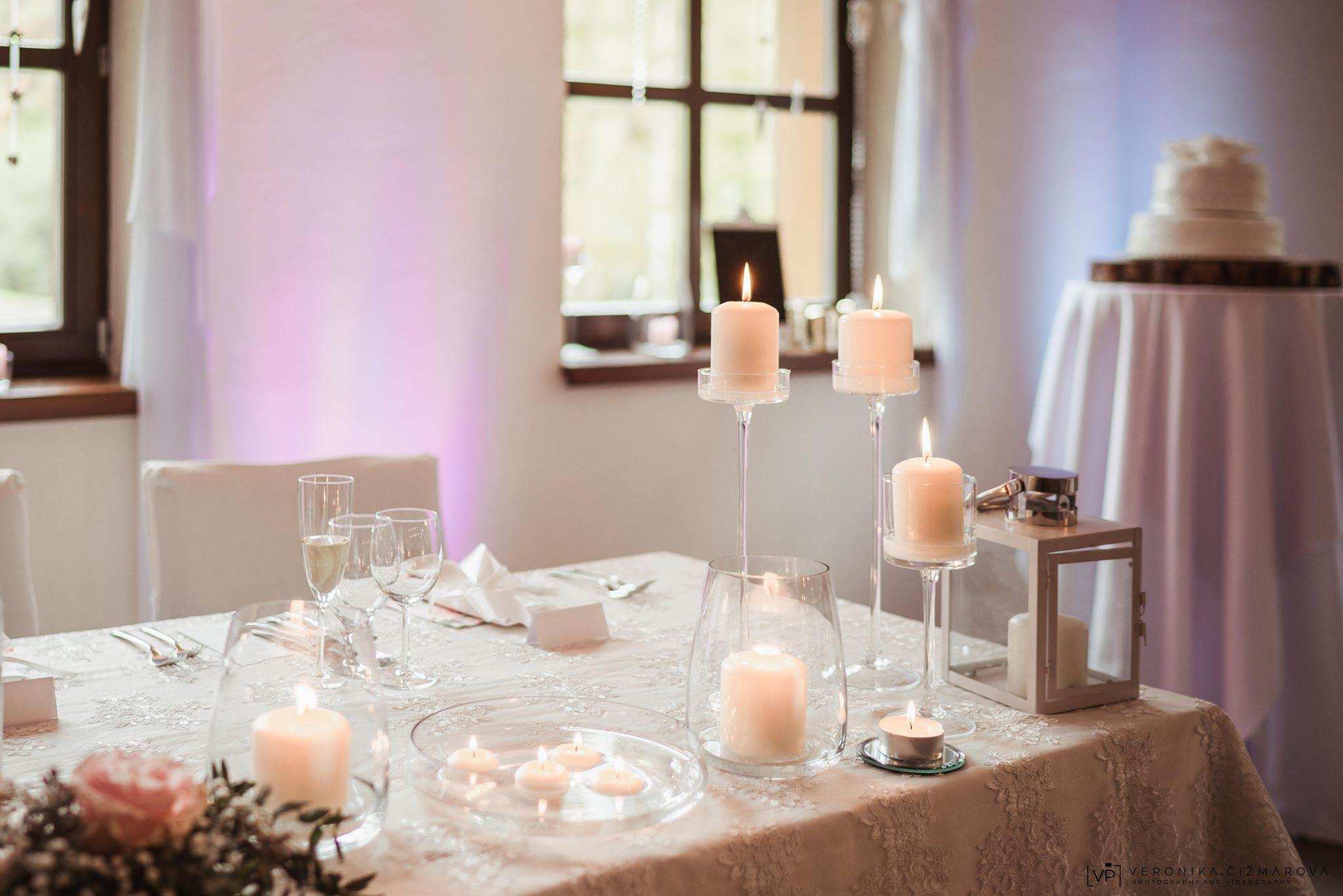 osvetlenie-svadby-boho-svadba-candy-bar-tortajpg
