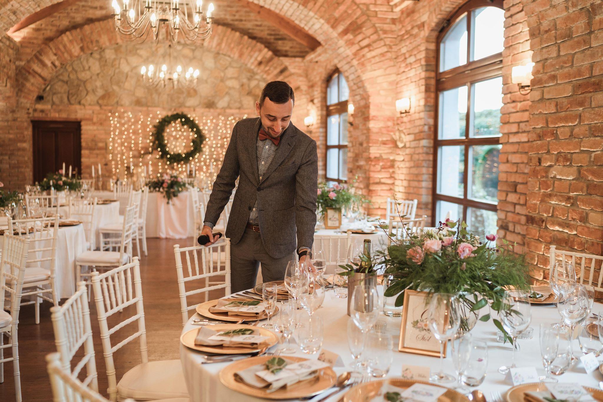 svadba-dj-moderator-mike-modra-neco-estate-winery-u-ludvikajpg