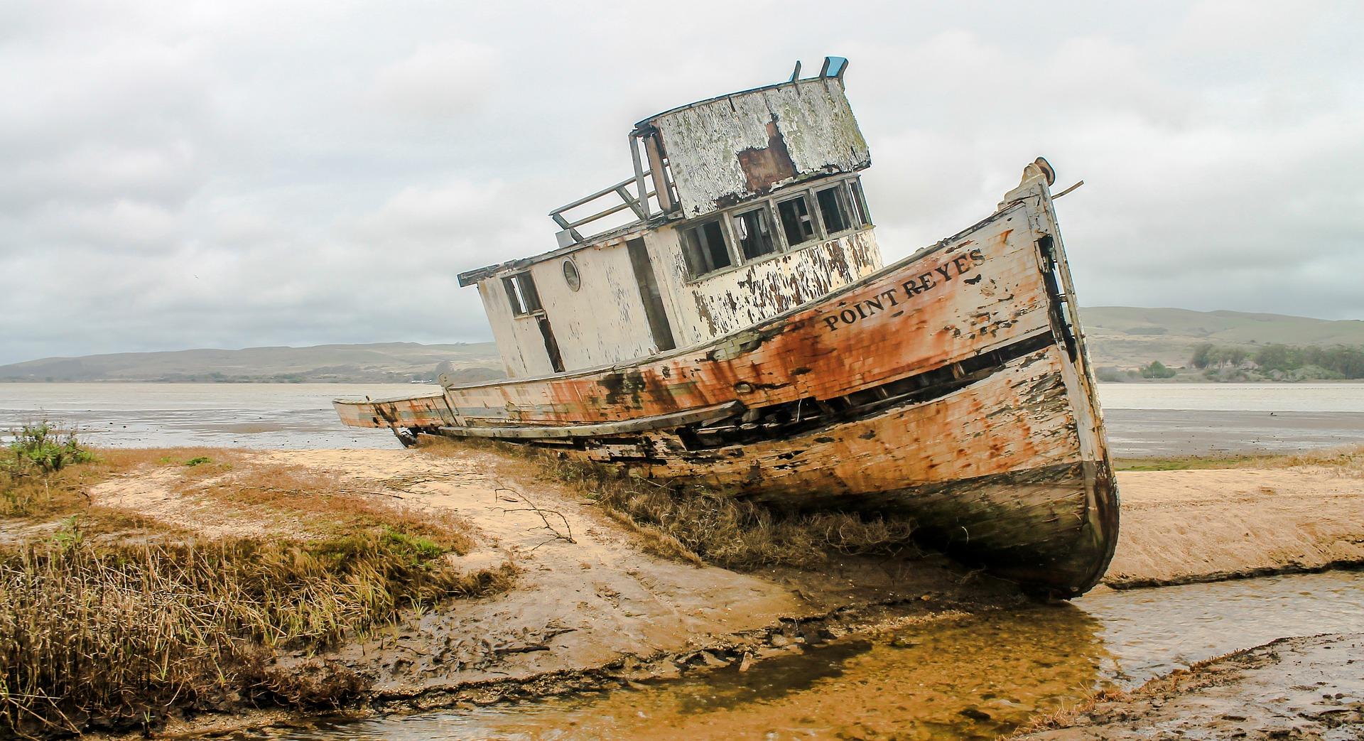 shipwreck-2096945_1920jpg