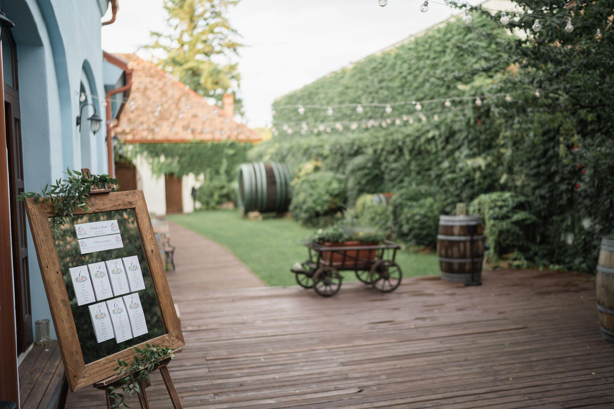 svadba-wedding-boho-slovakia-dj-moderator-starejsi-fotograf-neco-estate-wineryjpg