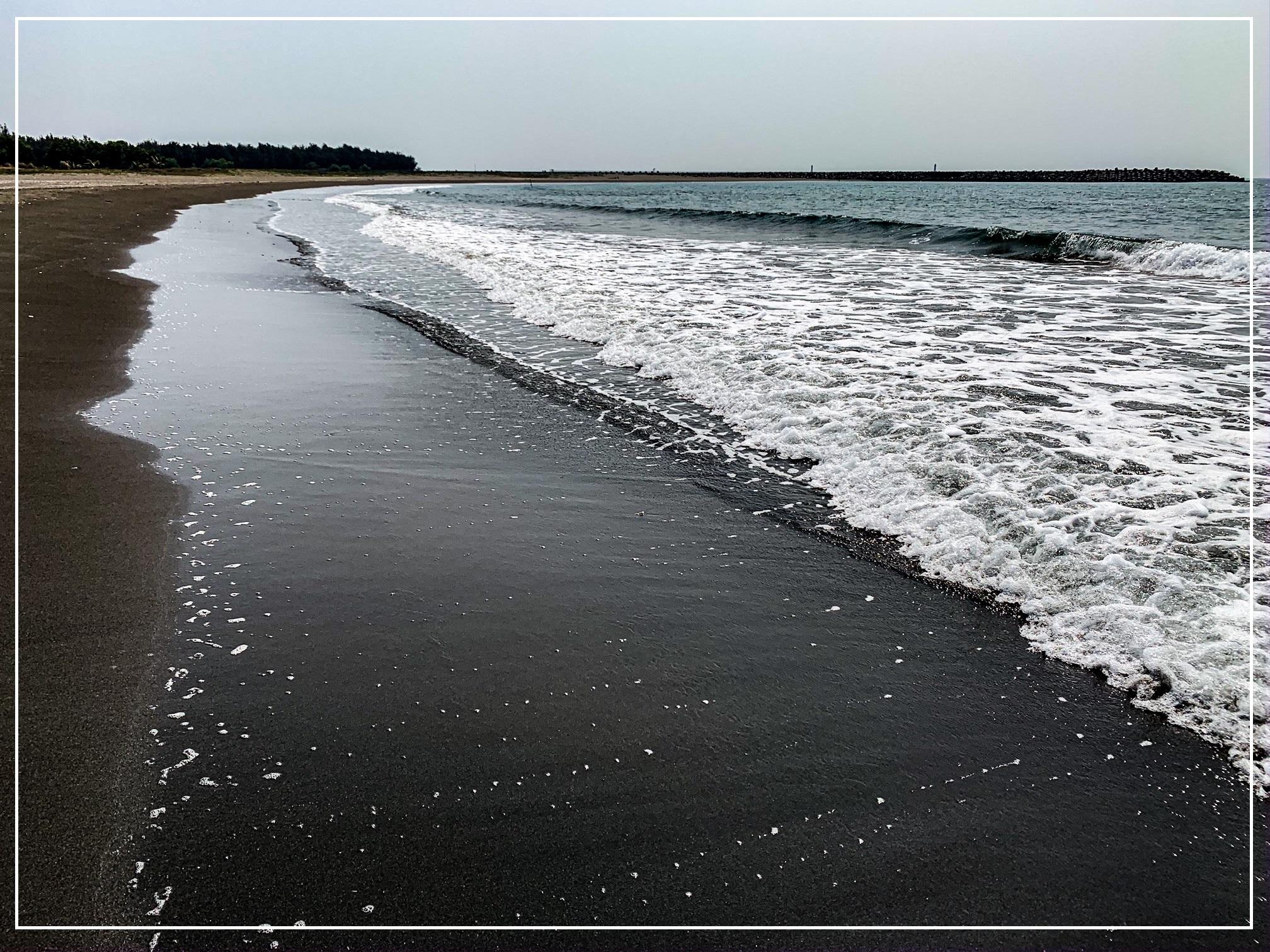 black beach of Tainan cierna plaz tainan taiwanjpg