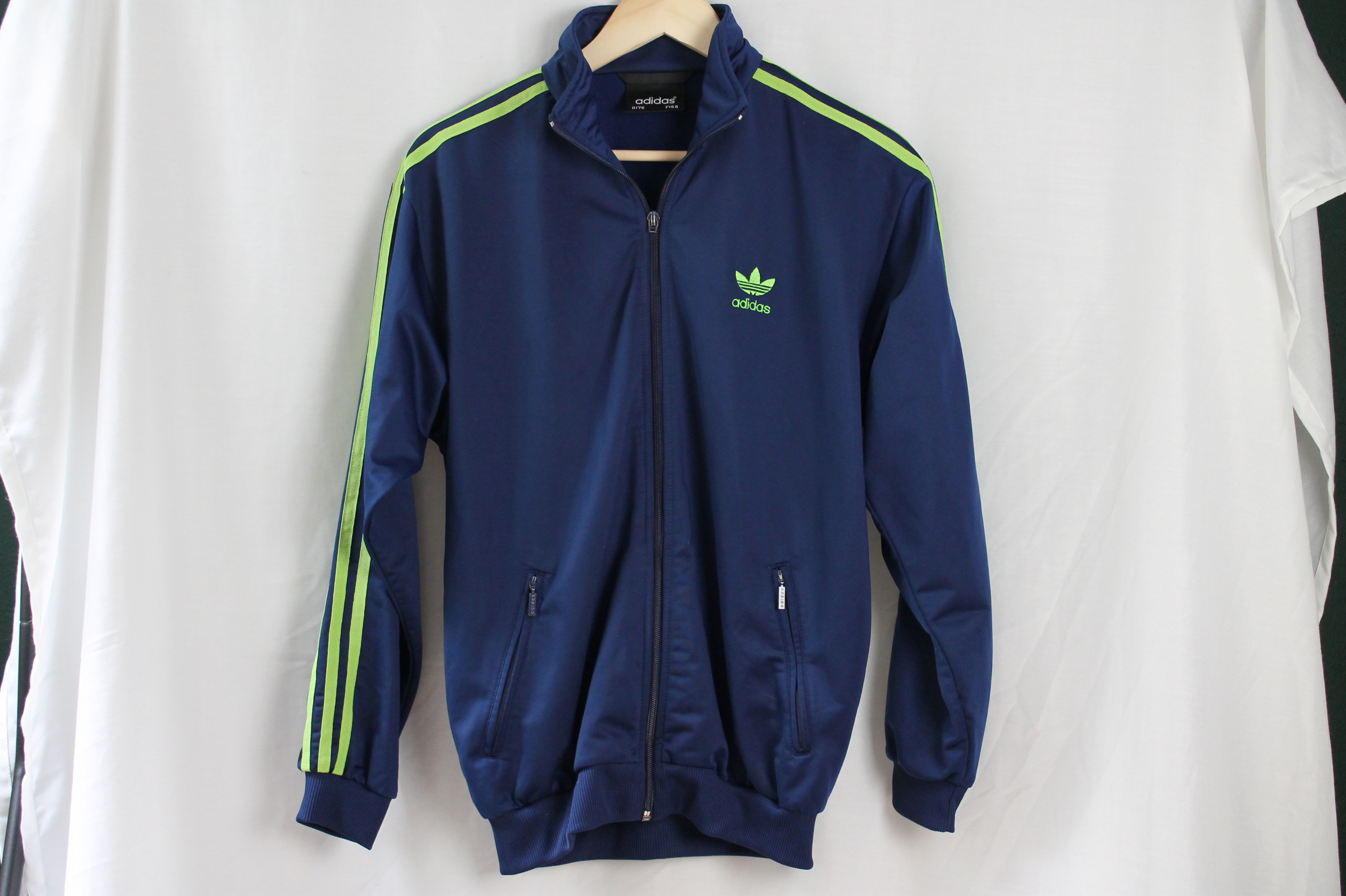 Adidas size man S woman M