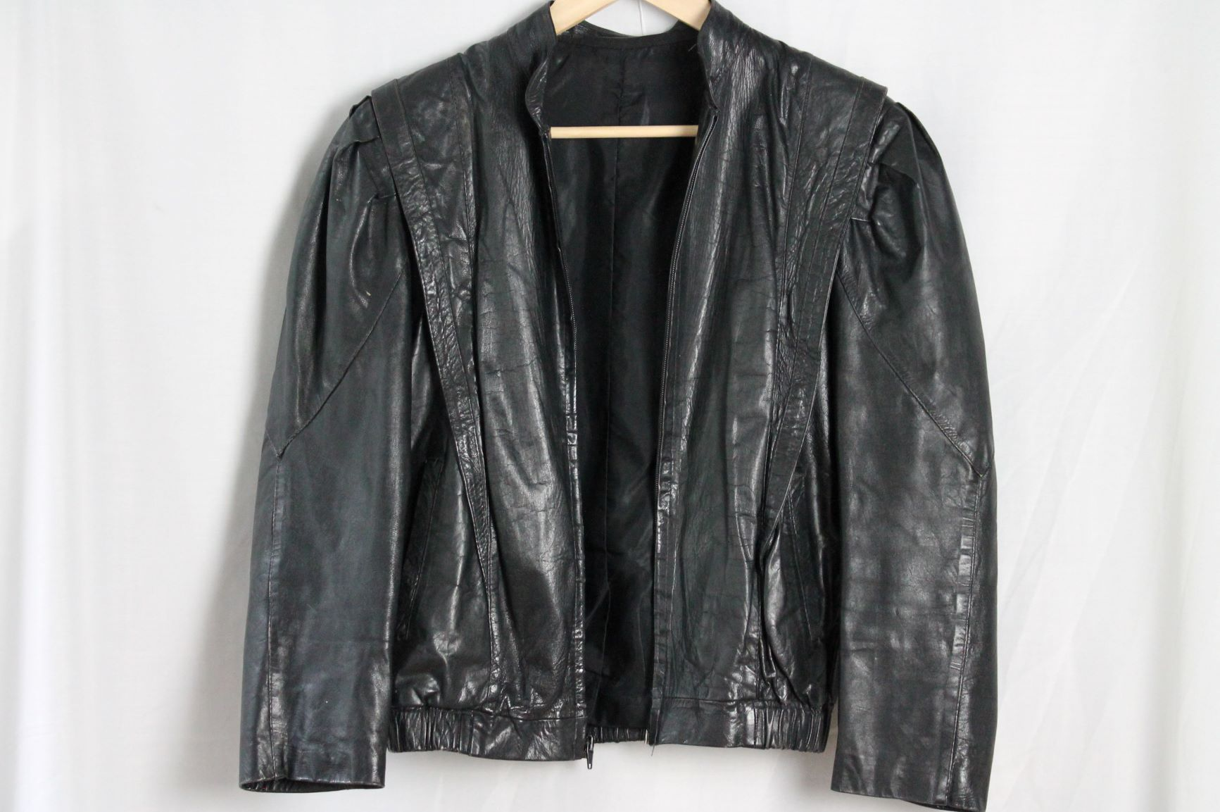 Leather size S