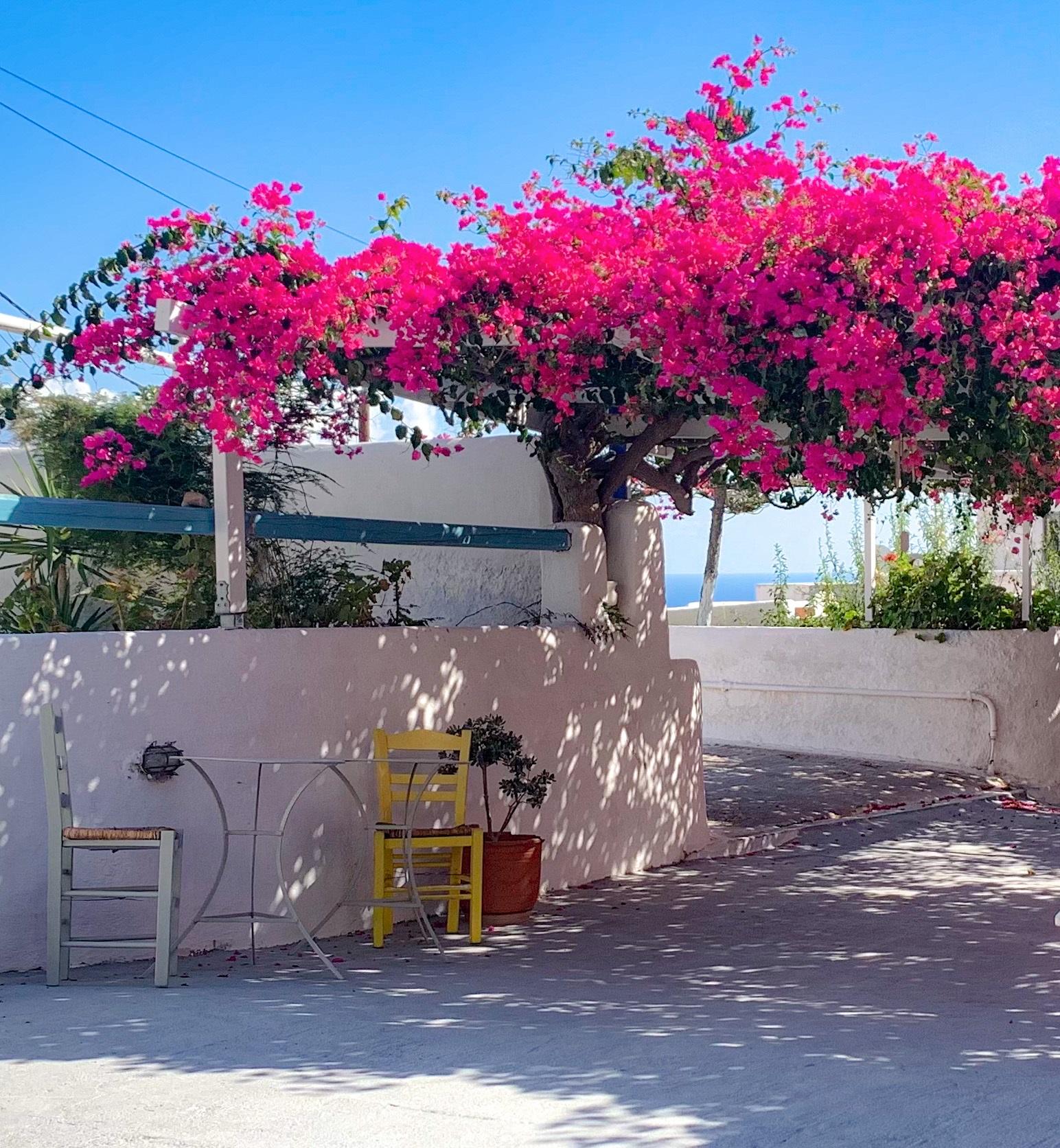 Santorini_Cave_Land_1jpg