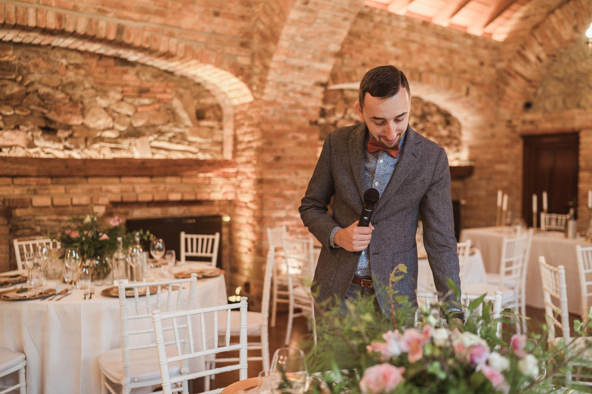 svadba-wedding-Neco-WineryEstate-DJ-Starejsi-Moderator-Skusenosti-Referencie-Modra-Wigerova-Villajpg