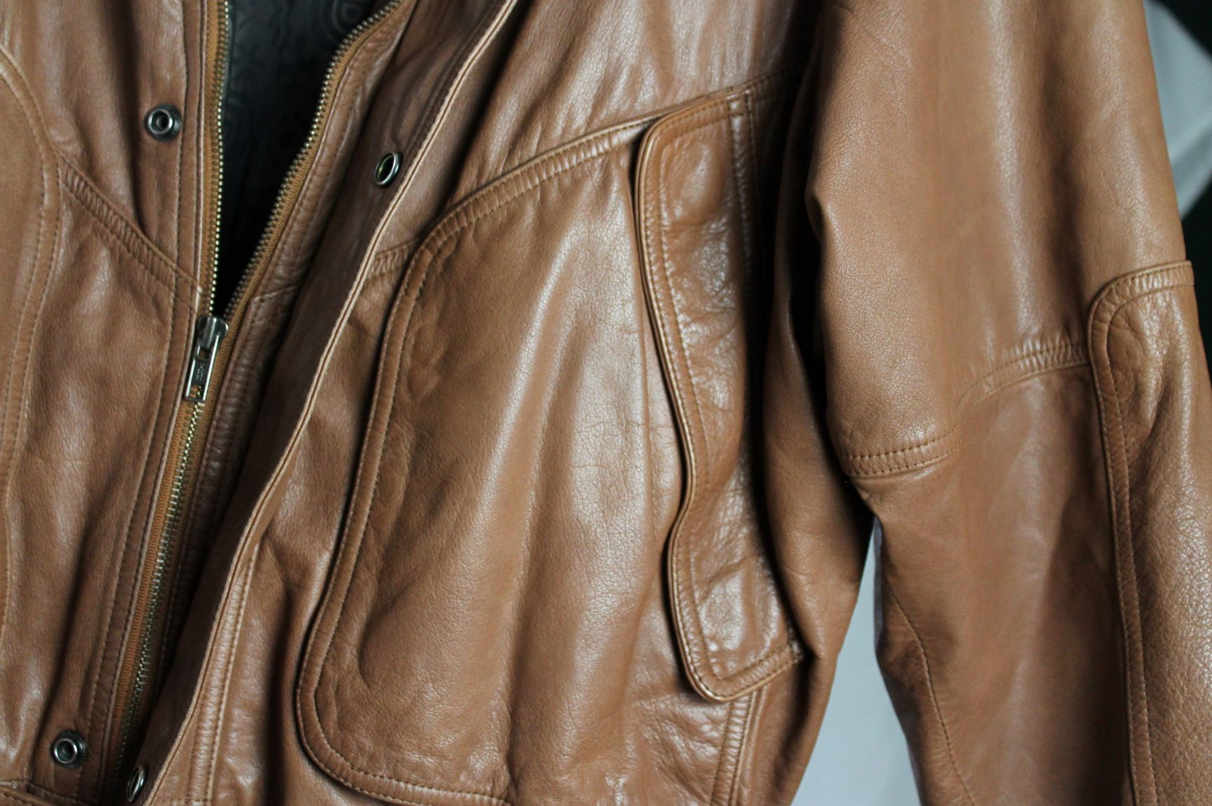 Brown leather size man L woman XL
