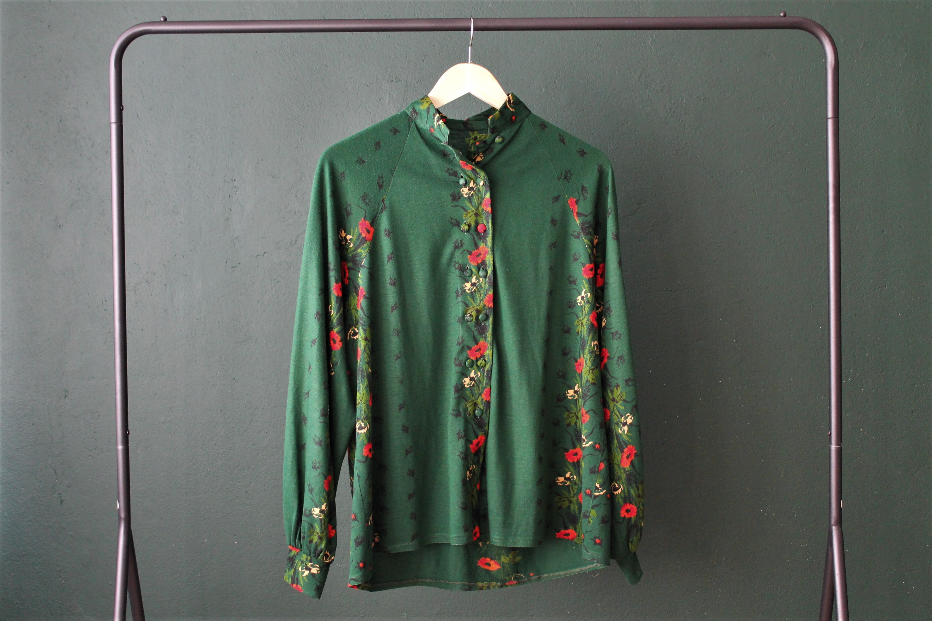 GREEN FLORAL size M