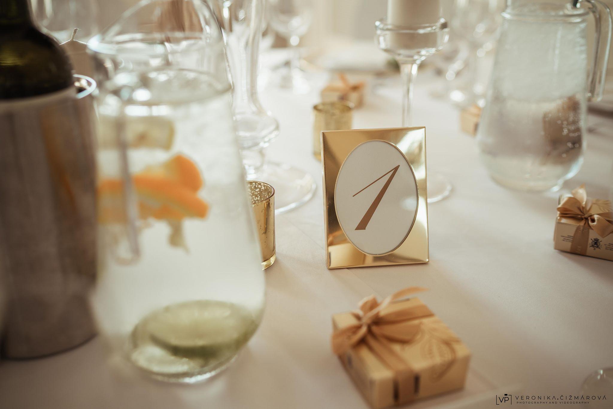 zlata-vyzdoba-svadbajpg