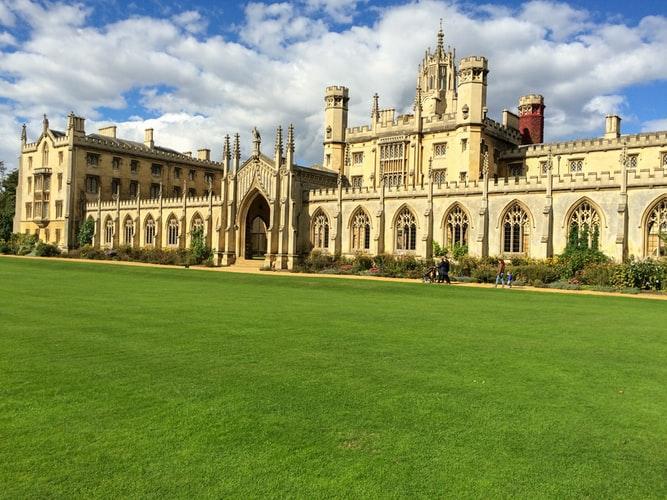 cambridge-stredoveke-univerzity-blog-cestovaniejpg