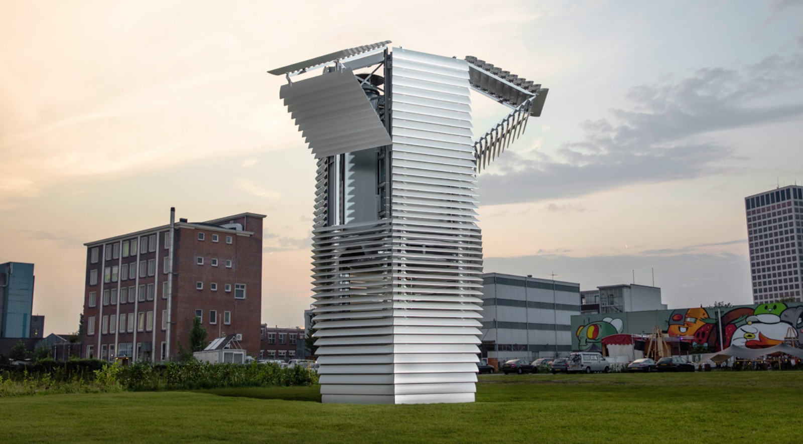 Smog-Free-Project-by-Studio-Roosegaarde-00jpg
