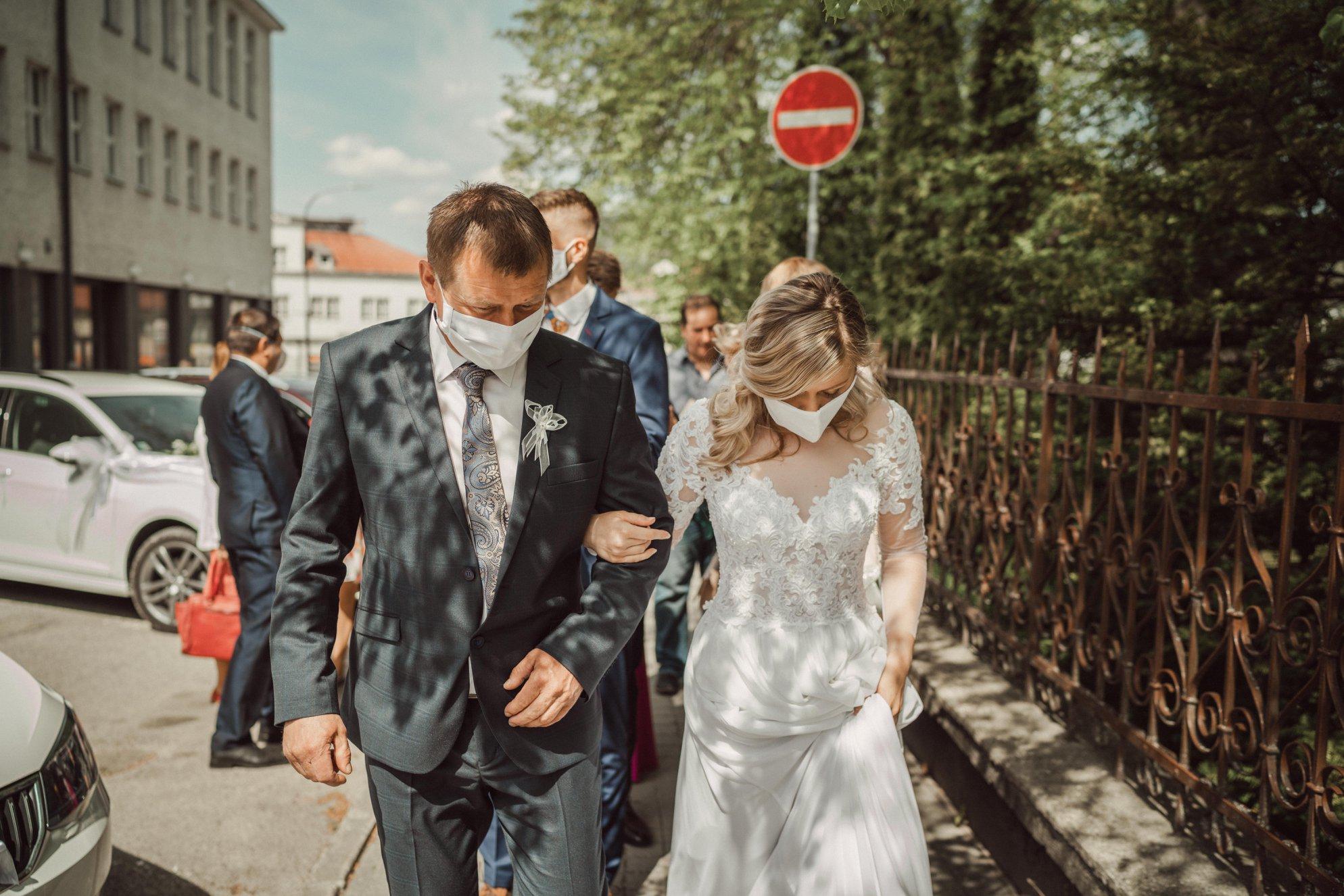 svadba-pocas-koronyjpg