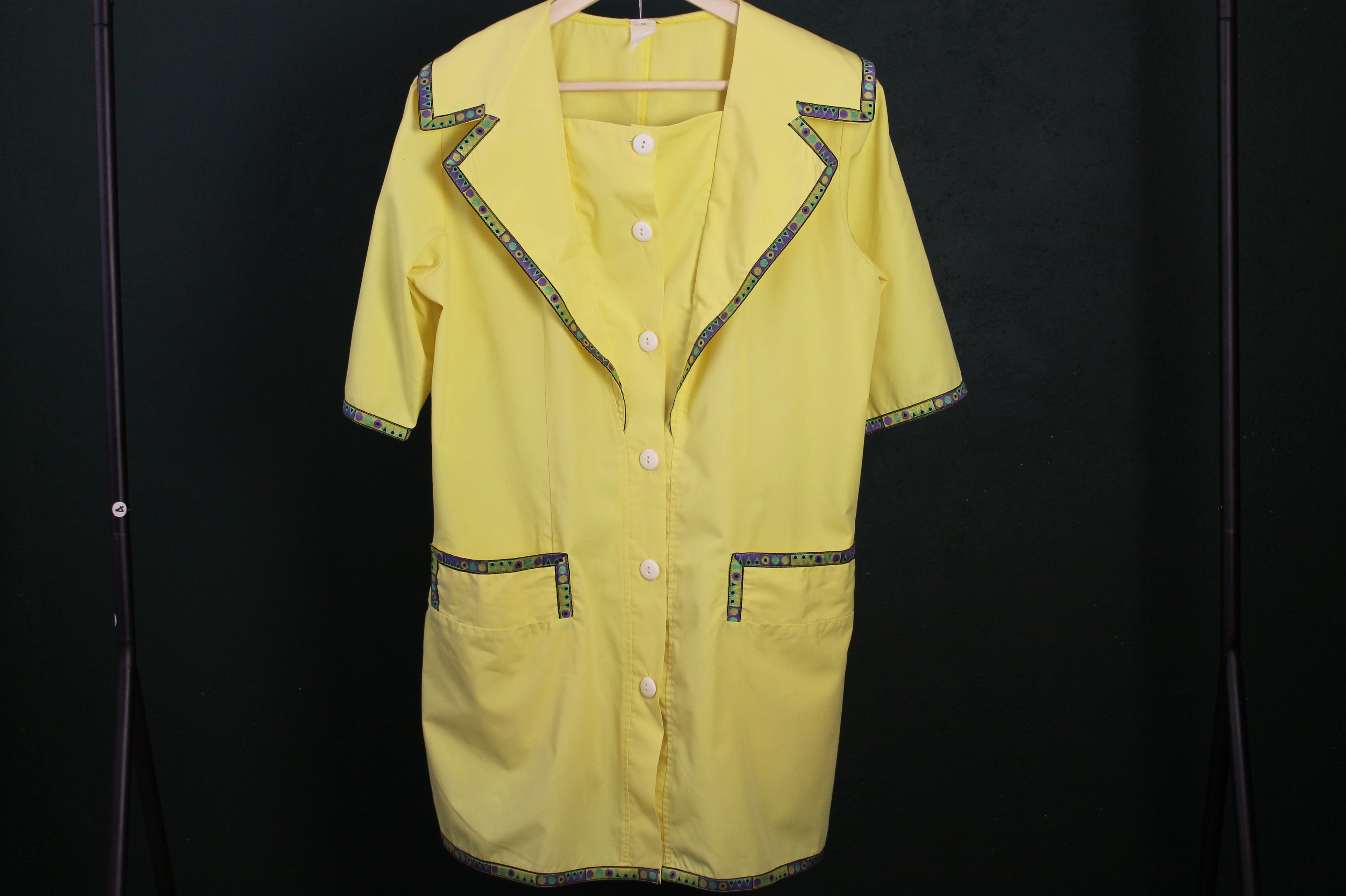 YELLOW TRIANGELS size M