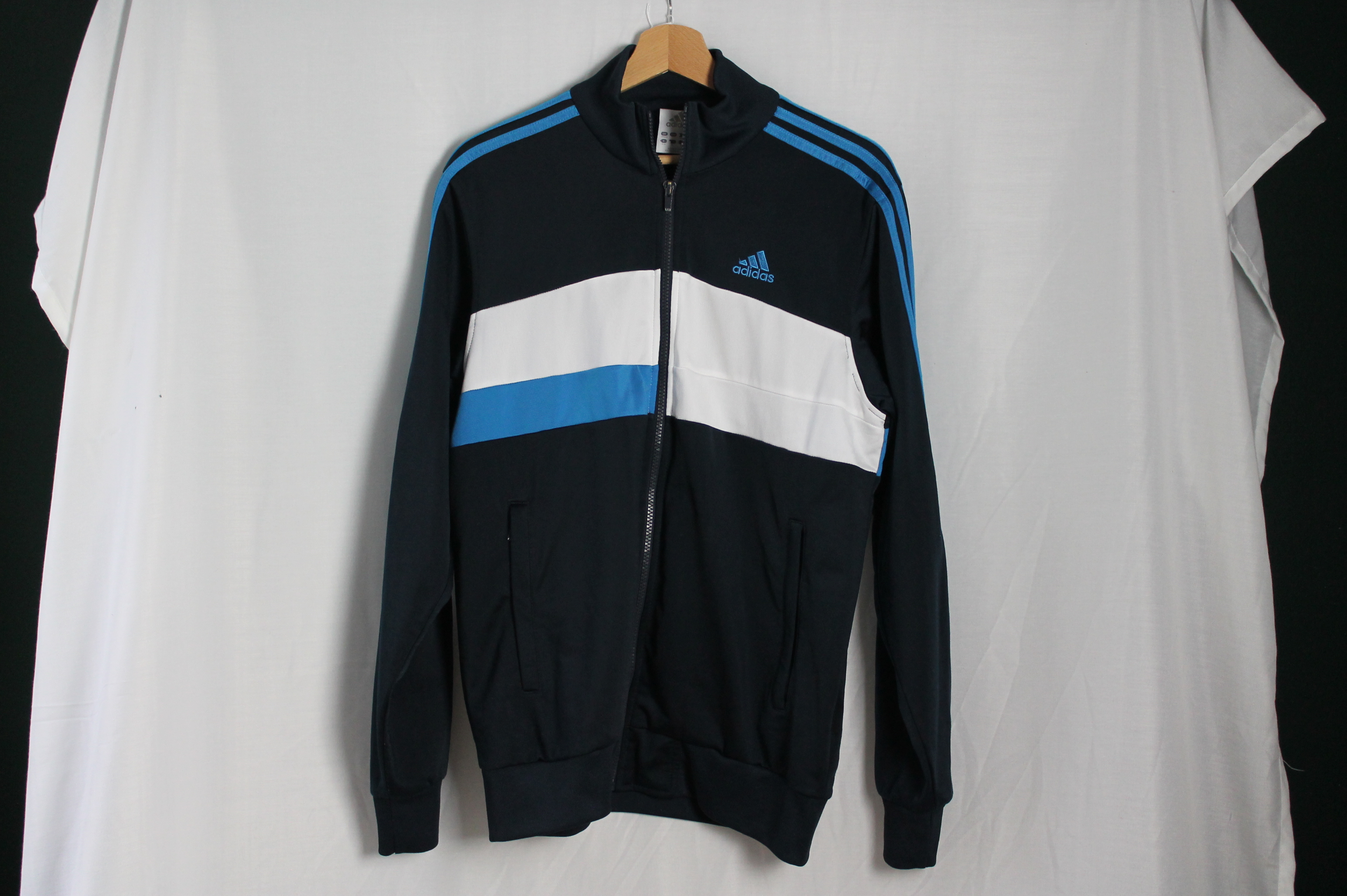 Adidas man M - L woman XL