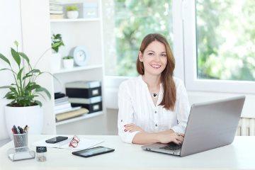 depositphotos_79624578-stock-photo-young-woman-at-laptopjpg