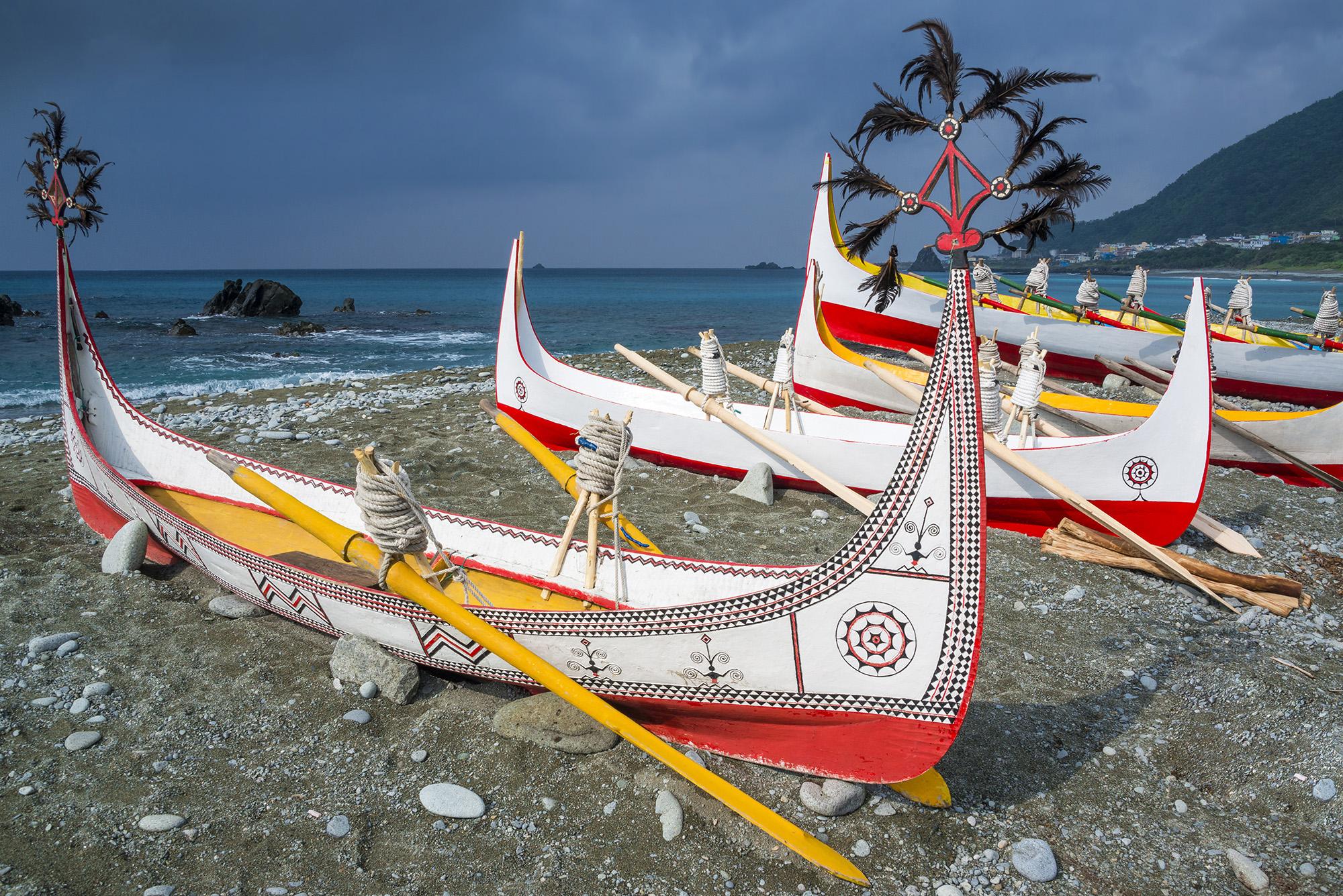 Tradin lo domorodch obyvateov z Orchideovho ostrovajpg