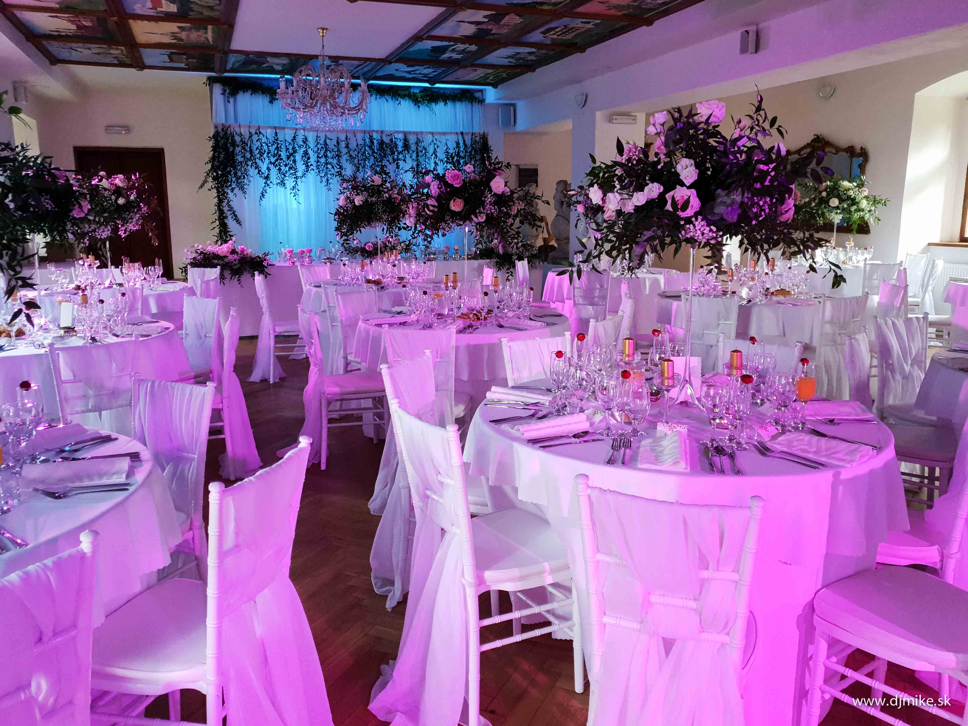 nasvietenie osvetlenie svadobnej eventovej salyjpg