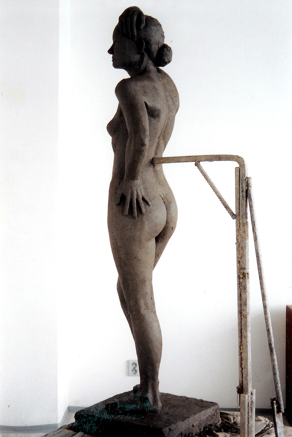 technique: clay dimensions: life size year: 2000